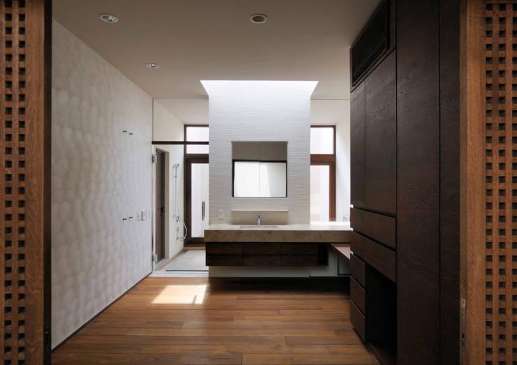 井上洋介建築研究所의  욕실