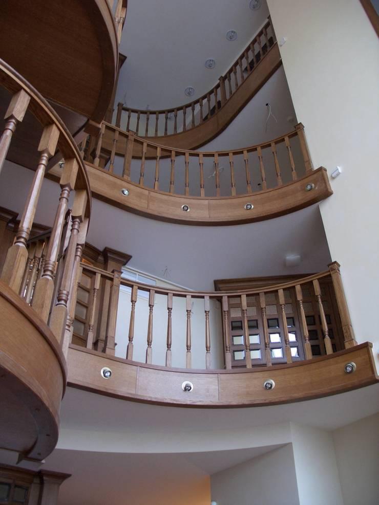 Лестницы: Гостиная в . Автор – ООО 'Катэя+'
