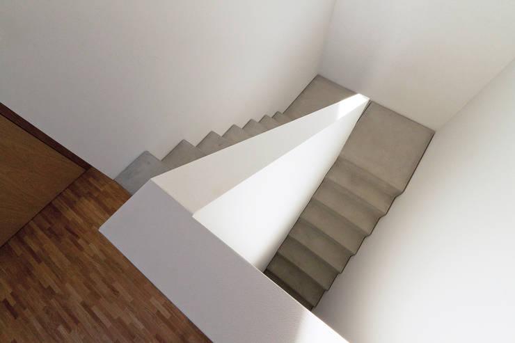 الممر والمدخل تنفيذ f m b architekten - Norman Binder & Andreas-Thomas Mayer