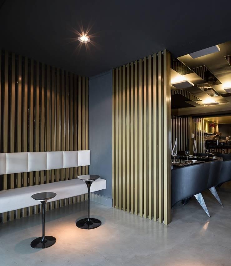 Restaurante Takêdo - Recepção e Espera: Espaços gastronômicos  por Kali Arquitetura