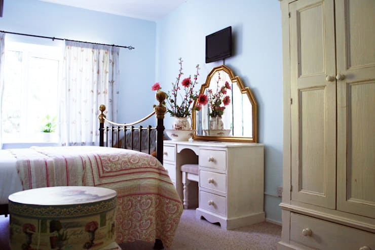 Dressing Table:  Bedroom by Alpine Furniture