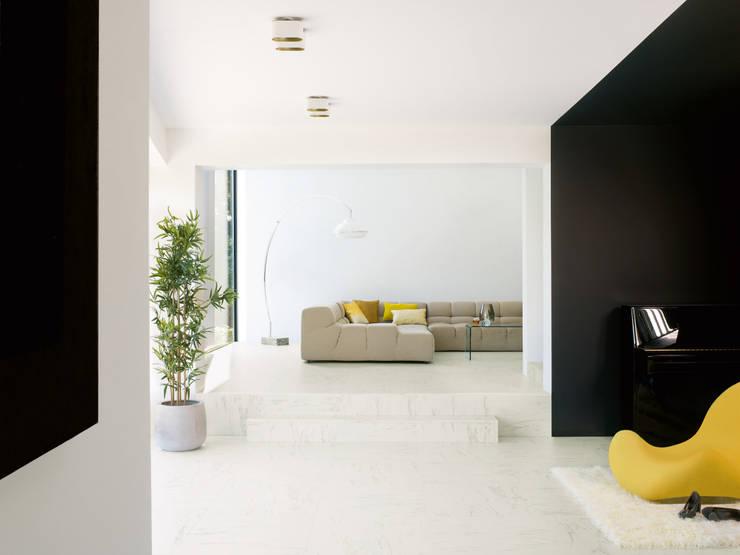 Marble Carrara:  Walls & flooring by Quick-Step