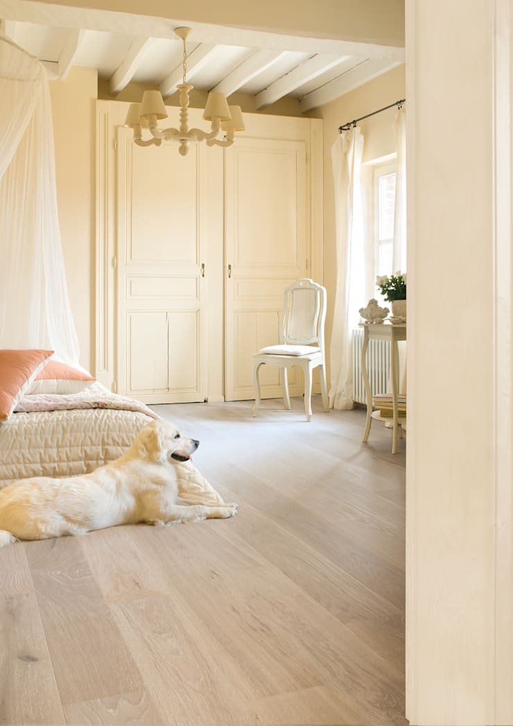 Limed Grey Oak Matt:  Walls & flooring by Quick-Step