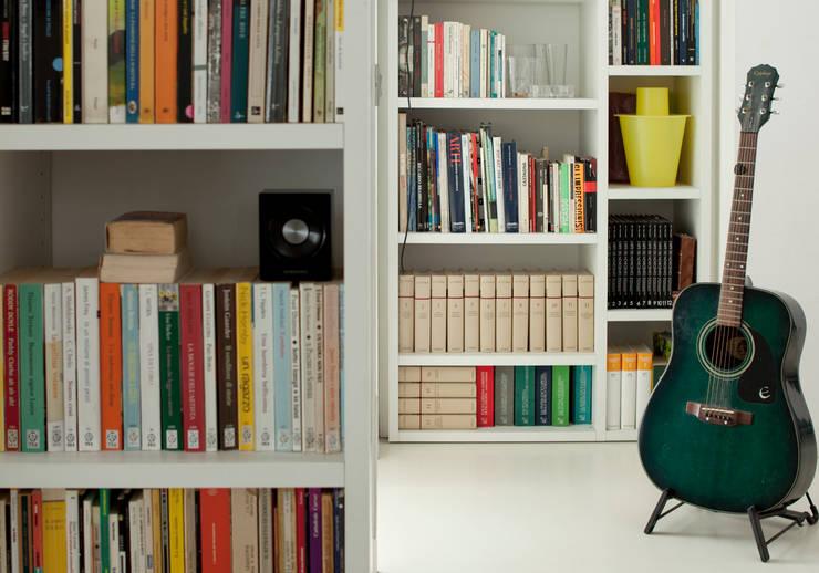 modern Living room by davide petronici | architettura