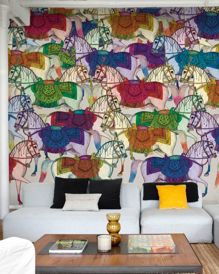 Karakorum mural  wallpaper : Paredes y suelos de estilo  de Tres Tintas Barcelona