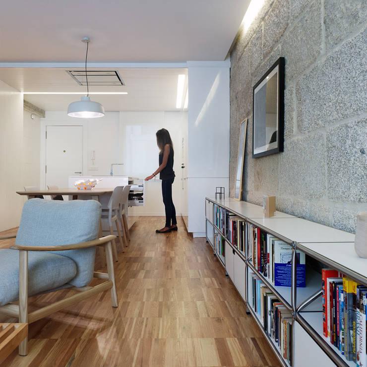 Comedores de estilo moderno de Castroferro Arquitectos Moderno