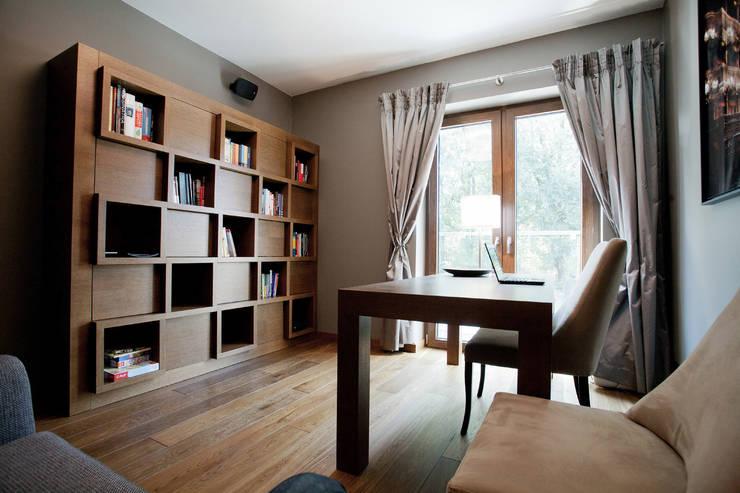Dom w Krakowie : styl , w kategorii Domowe biuro i gabinet zaprojektowany przez ARCHISSIMA