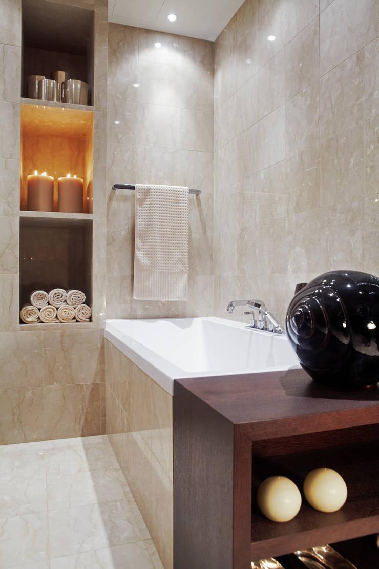 Квартира в Москве на улице Станиславского: Ванные комнаты в . Автор – Дизайн бюро Татьяны Алениной