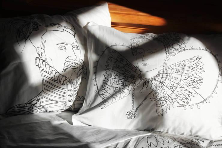 pościel Kochanek Królowej: styl , w kategorii Sypialnia zaprojektowany przez Las i niebo