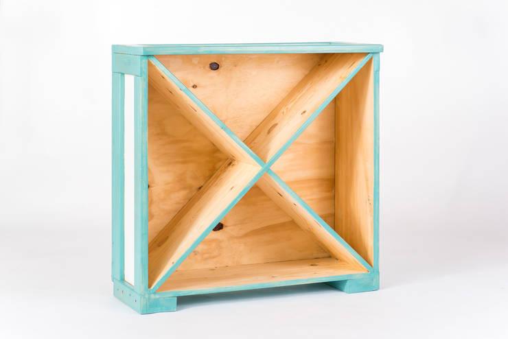 George Condo Bookcase: styl , w kategorii Salon zaprojektowany przez crateive
