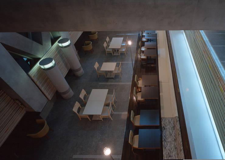 クロッシーズcafe : 株式会社 伊坂デザイン工房が手掛けたオフィスビルです。,オリジナル