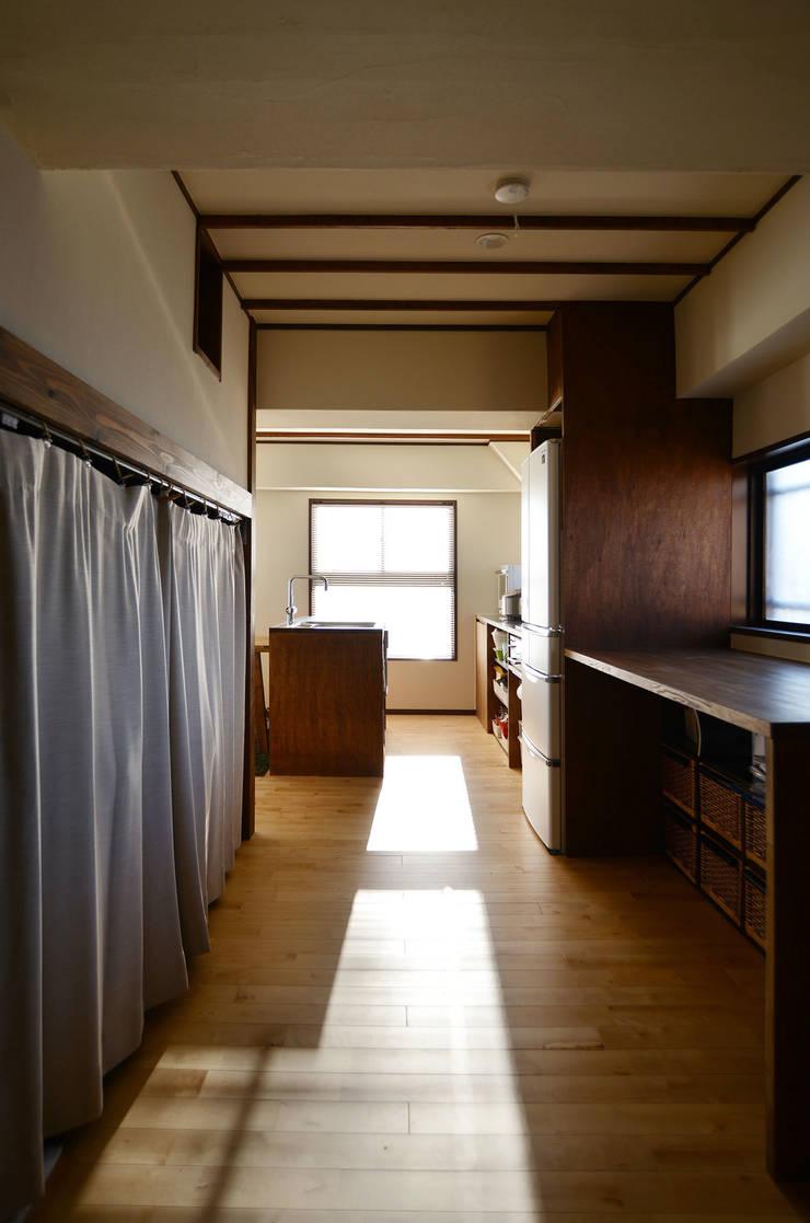 御嶽山・ROOM・T(ONTAKESAN・ROOM・T): 吉田裕一建築設計事務所が手掛けた和室です。
