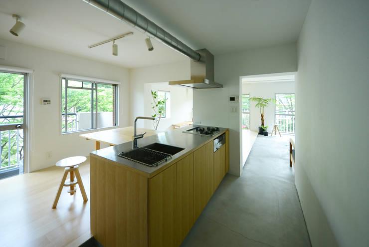 荏田・ROOM・M(EDA・ROOM・M): 吉田裕一建築設計事務所が手掛けたキッチンです。