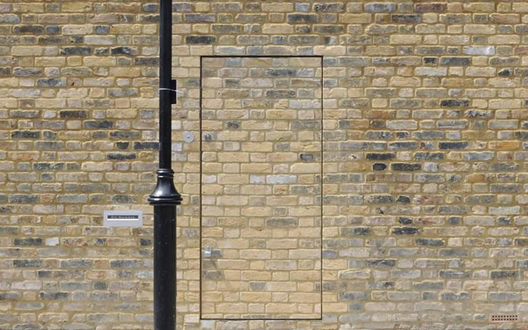Old Workshop - entrance:  Houses by Jack Woolley