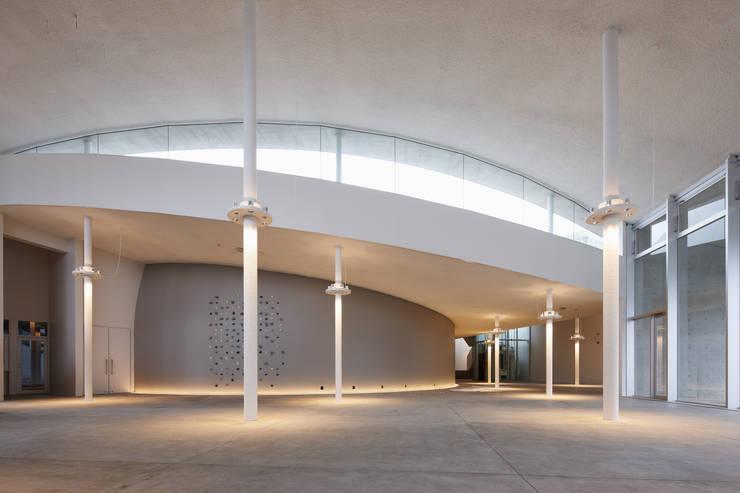 Science Hills Komatsu: Urban Architecture Office.INCが手掛けた会議・展示施設です。