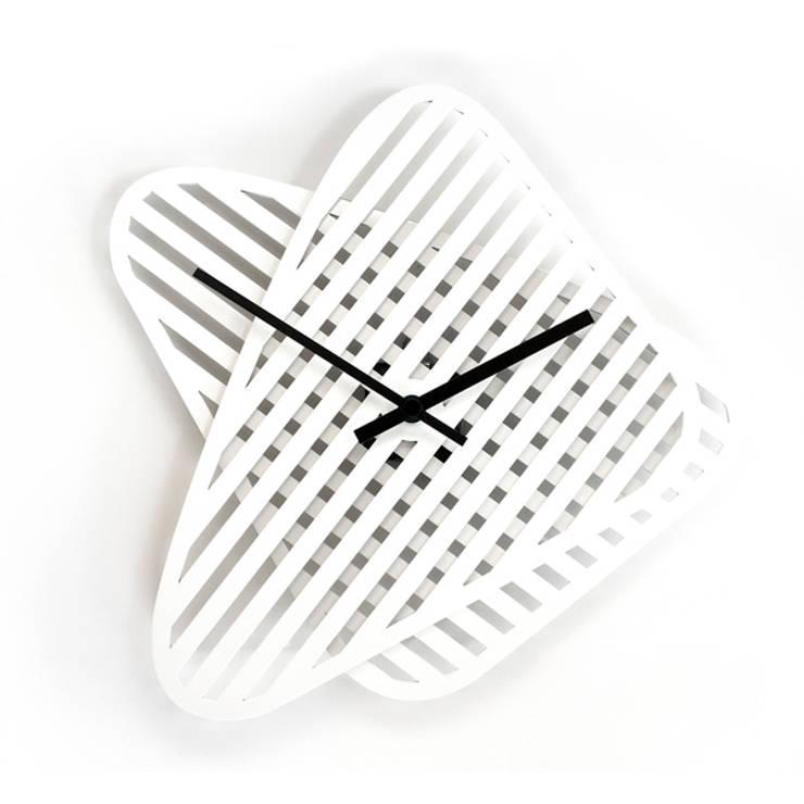 Reloj sophie white: Hogar de estilo  de Chicplace
