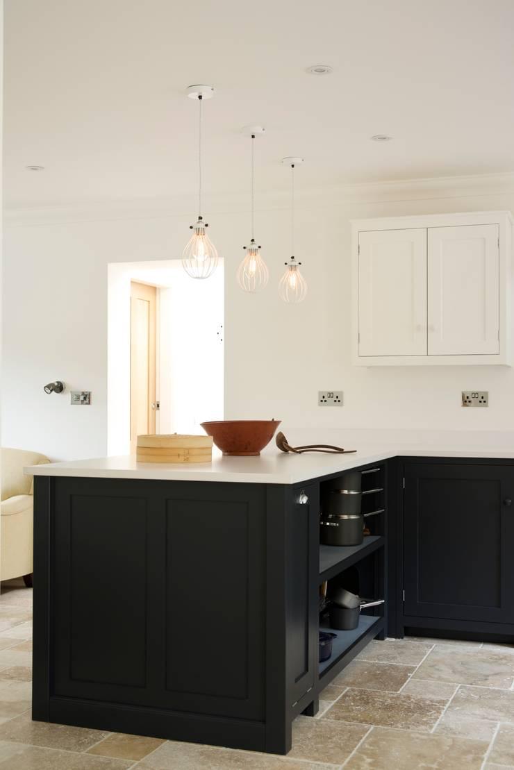 The Staffordshire Shaker Kitchen by deVOL:  Kitchen by deVOL Kitchens