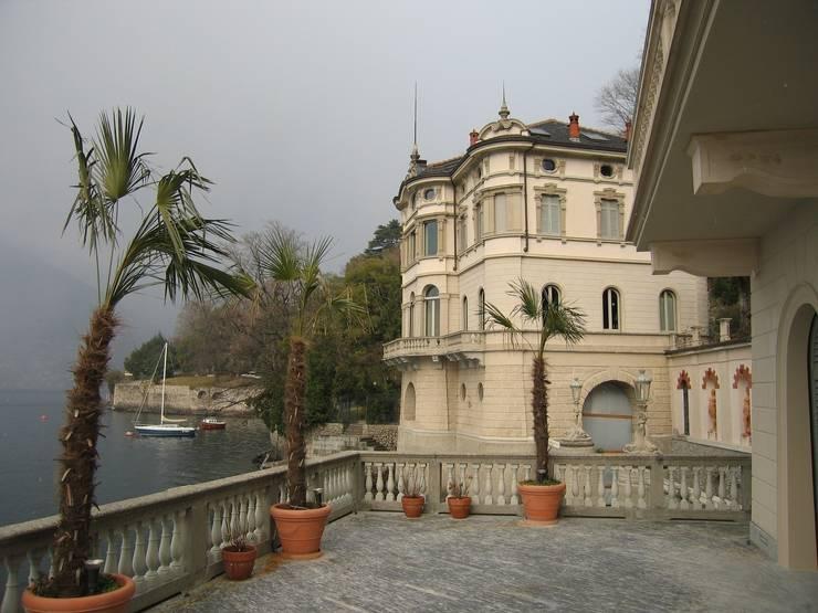 Villa Taglioni – Blevio Lago di Como Case classiche di Archiluc's - Studio di Architettura Stefano Lucini Architetto Classico
