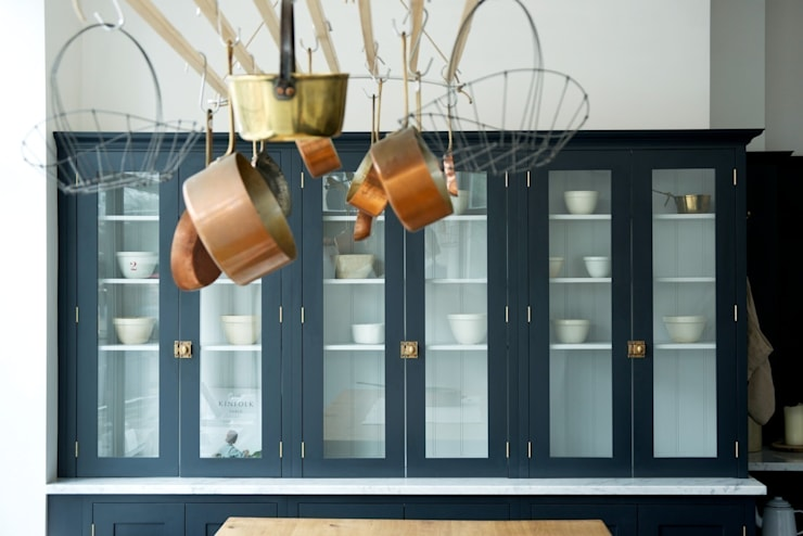 The Clerkenwell Showroom Shaker Kitchen : classic Kitchen by deVOL Kitchens