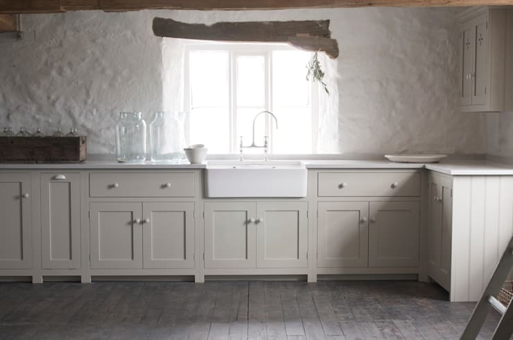 The Cotes Mill Shaker Kitchen : rustic Kitchen by deVOL Kitchens