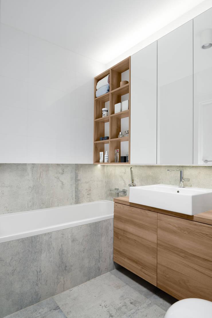 Mieszkanie MiM: styl , w kategorii Łazienka zaprojektowany przez 081 architekci
