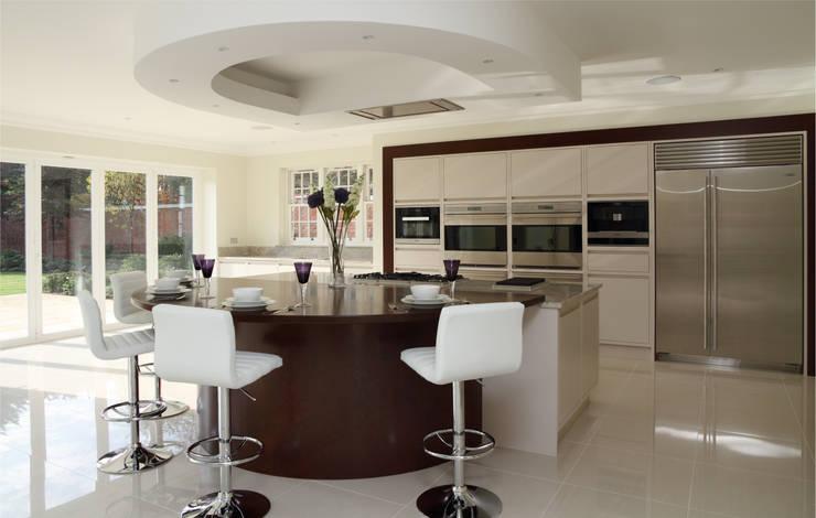 Large contemporary kitchen, Hertfordshire:  Kitchen by John Ladbury and Company