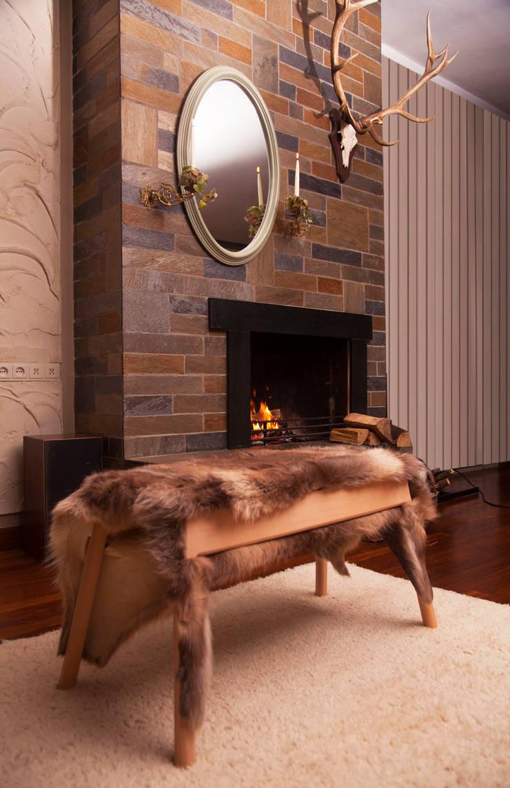 Livestock stool (Rudolf):  Woonkamer door Product Design - Tijn van Orsouw
