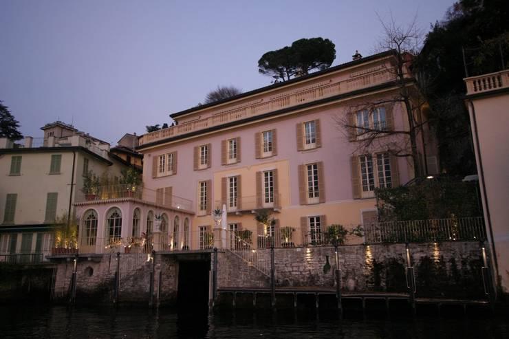 Villa Silva - Torno Lago di Como: Case in stile  di Archiluc's - Studio di Architettura Stefano Lucini Architetto
