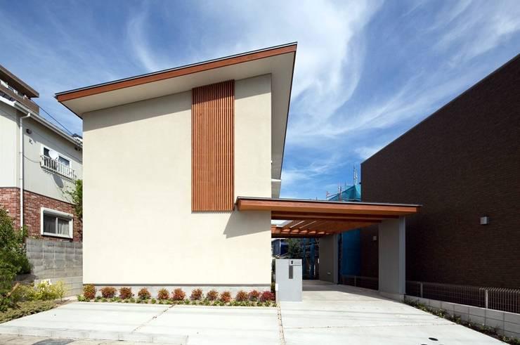 西側外観: 森建築設計室が手掛けた家です。
