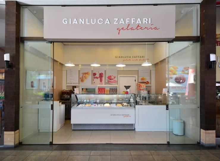 GELATERIA PASEO ZONA SUL: Espaços comerciais  por Studio Cinque,