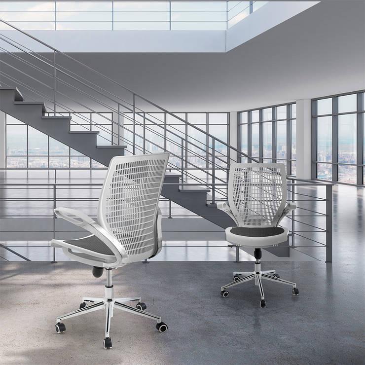 Cadeira Hera: Escritório e loja  por Rivatti Móveis