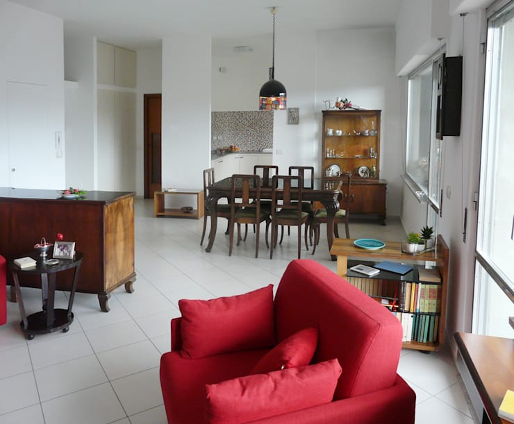 ห้องนั่งเล่น by Interni d' Architettura