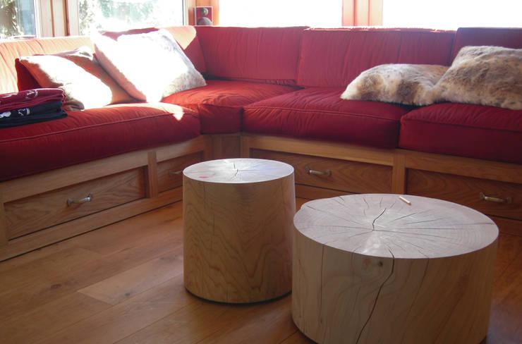 Salas / recibidores de estilo  por TORPEGO