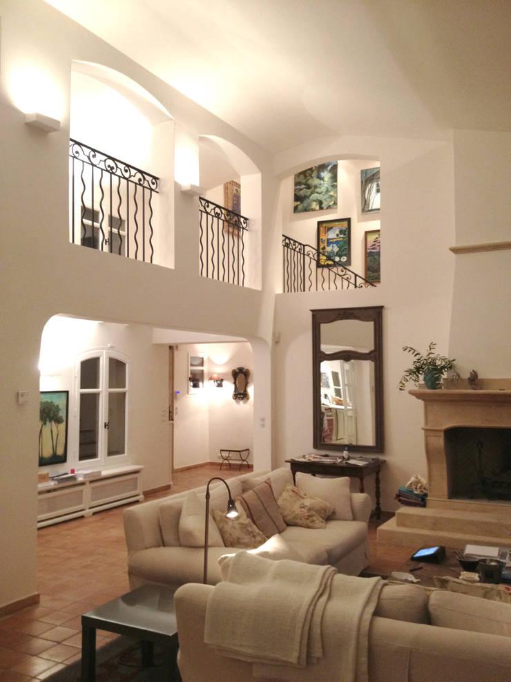 Ruang Keluarga oleh FLEURY ARCHITECTE, Klasik