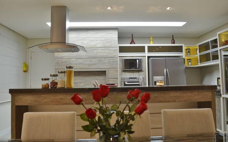 Projeto de interiores - Cozinha casal: Cozinhas  por Ésse Arquitetura e Interiores,