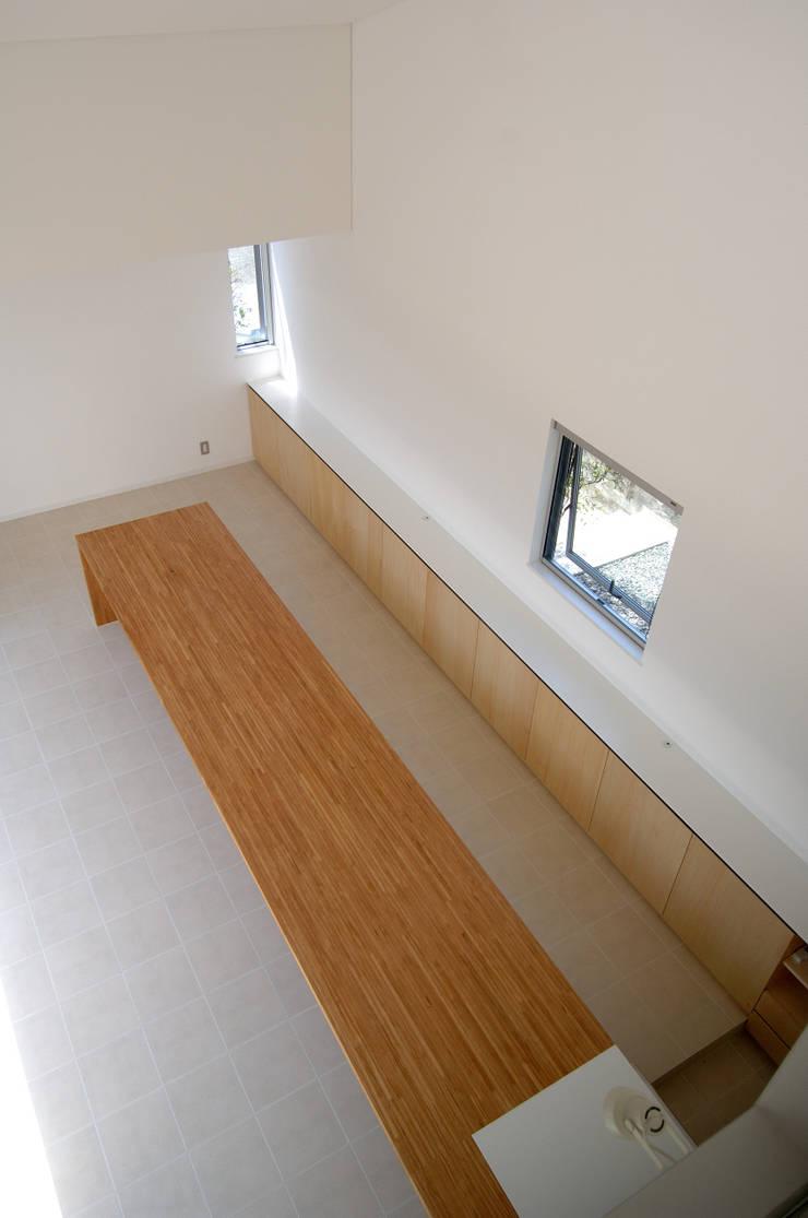 泉台の家: 株式会社ギミックが手掛けたダイニングです。