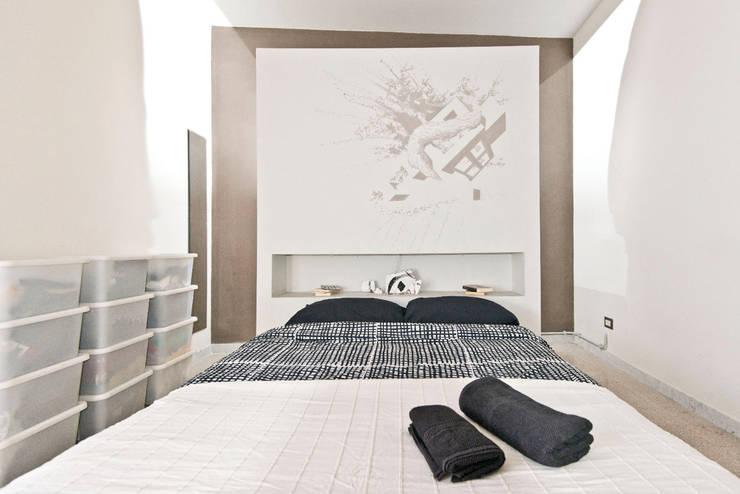Dormitorios de estilo  por Spaghetticreative