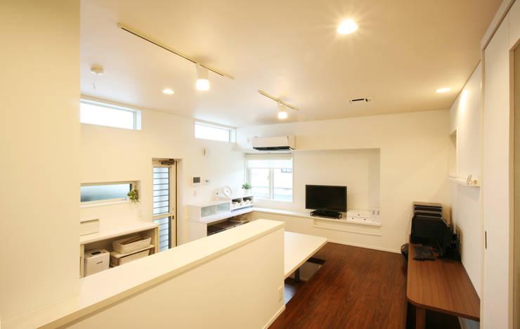 キッチン (ダイニング): 吉田設計+アトリエアジュールが手掛けたキッチンです。