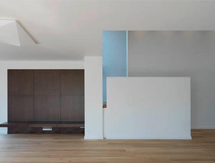 Dom 175 wnetrza: styl , w kategorii Salon zaprojektowany przez Jednacz Architekci