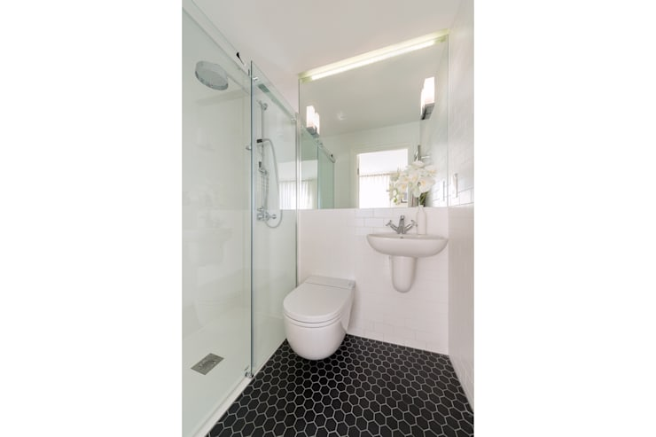 Chepstow Road:  Bathroom by Will Eckersley