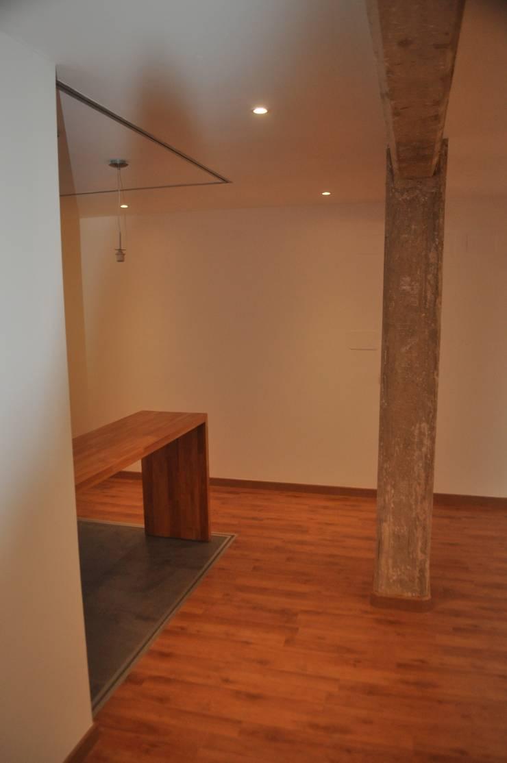 Salón - Comedor - Cocina: Salones de estilo  de 3 M ARQUITECTURA