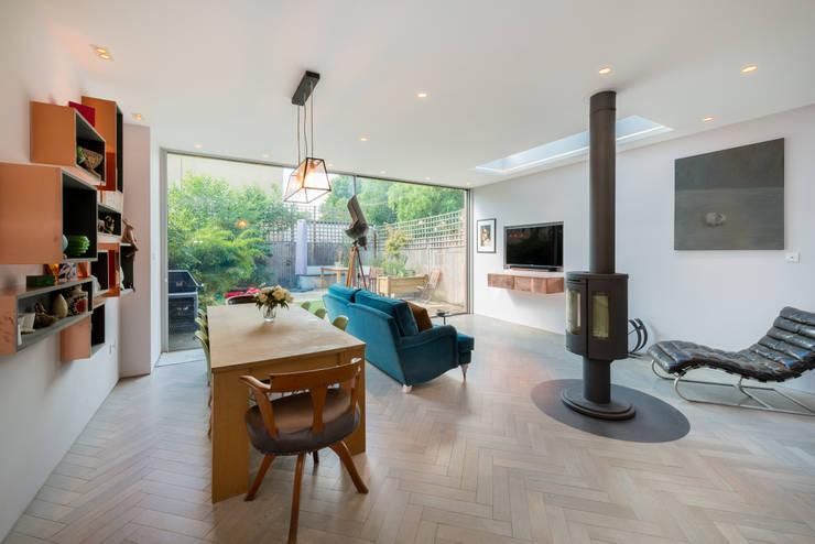 Elmwood Road:  Living room by Will Eckersley