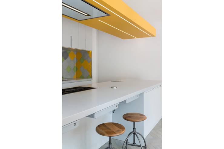 Elmwood Road:  Kitchen by Will Eckersley
