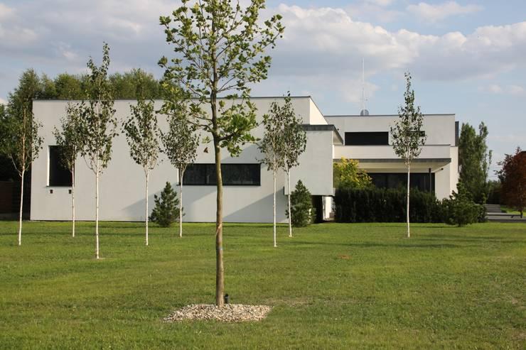 Dom ZESTAWNA : styl nowoczesne, w kategorii Domy zaprojektowany przez REFORM Konrad Grodziński