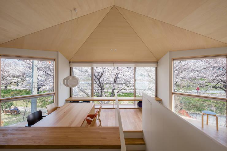 Living room by 株式会社リオタデザイン, Modern