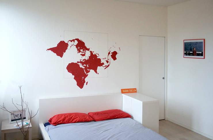 Zona notte: Camera da letto in stile in stile Minimalista di M N A - Matteo Negrin