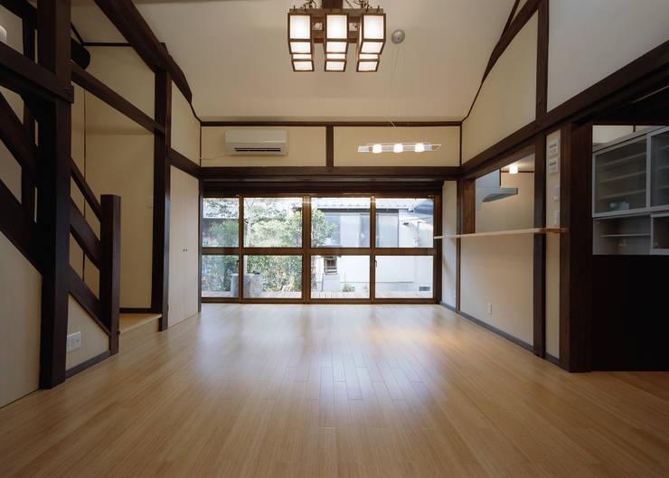 今津の家/町屋再生: 株式会社 長野総合建築事務所が手掛けたです。