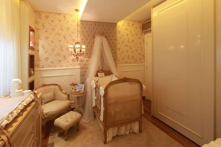 Dormitorios infantiles de estilo  por MJArquitetura