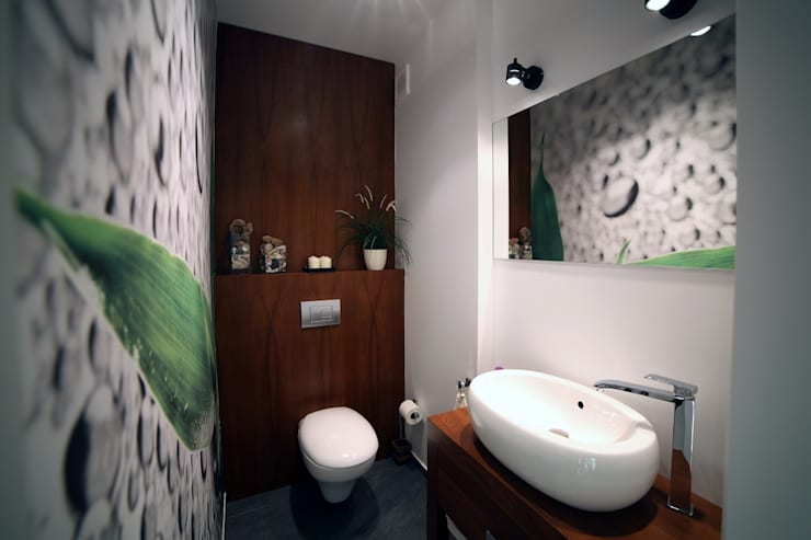 Modern style bathrooms by INSPACE Modern