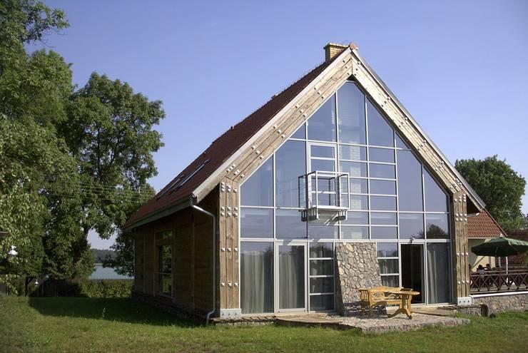 KOZIN: styl nowoczesne, w kategorii Domy zaprojektowany przez INSPACE
